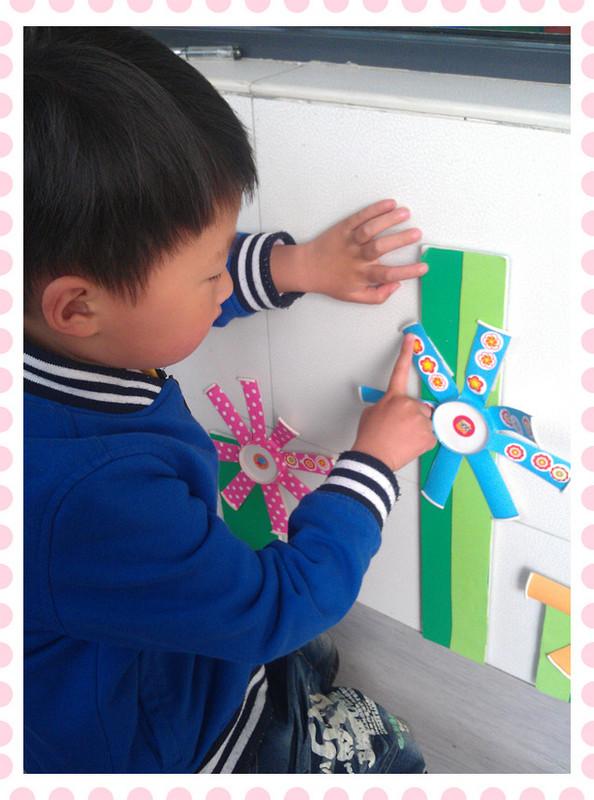 幼儿园班级欧式童趣红花台图片