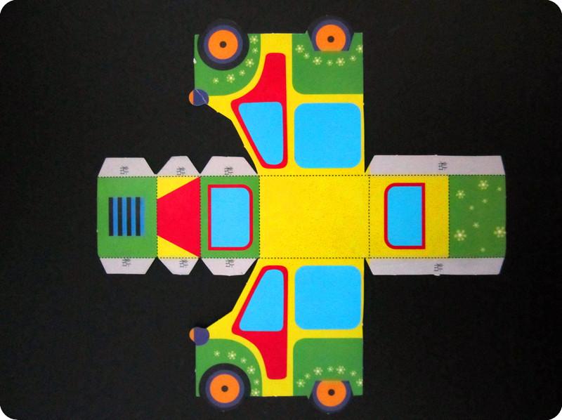 这就是幼儿园的作业,手工小汽车!
