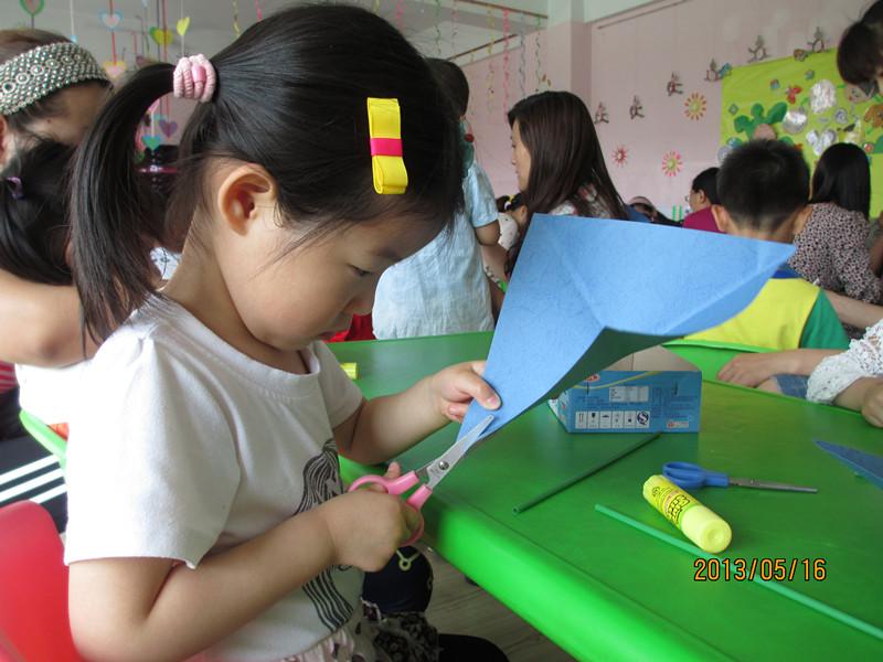幼儿园的亲子手工------风车