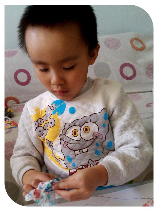 宝宝 壁纸 儿童 孩子 小孩 婴儿 526_704 竖版 竖屏 手机