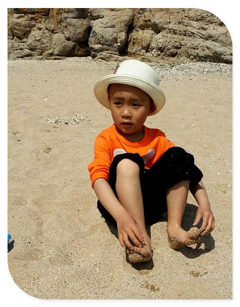 玩水,玩沙在海边