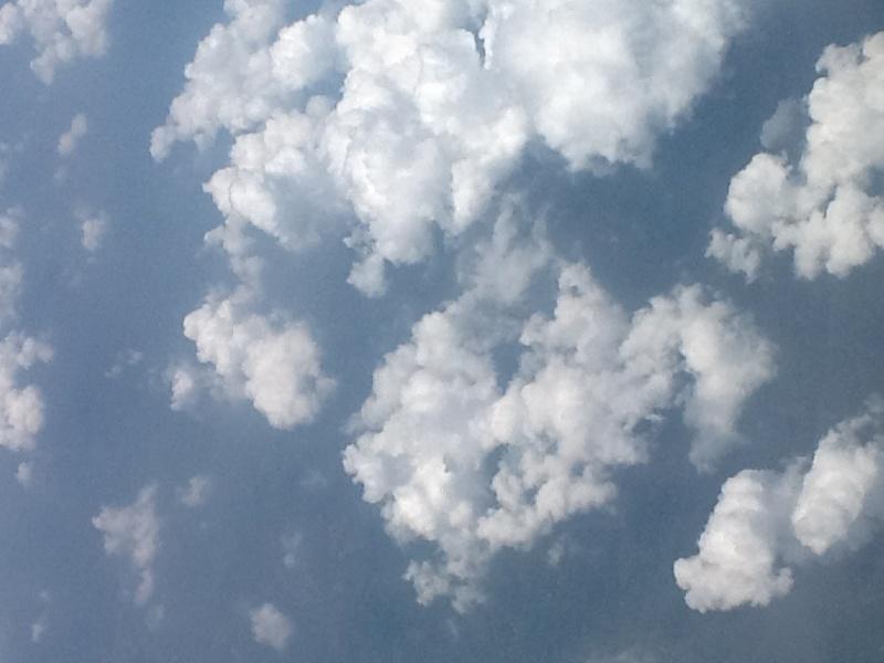 云的种类和-做了两个小时的飞机,乘务员教乘客做瑜伽操   看完云就睡着了,一直