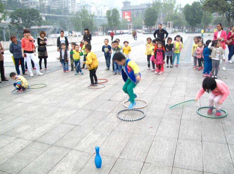 幼儿园的户外活动之游戏记