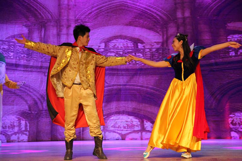 大型儿童舞台剧 《白雪公主》------改编版 有一丢丢不适应