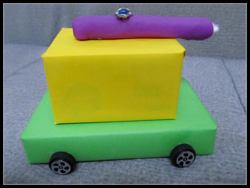 周末手工作业:废旧纸盒小车改装出的小坦克