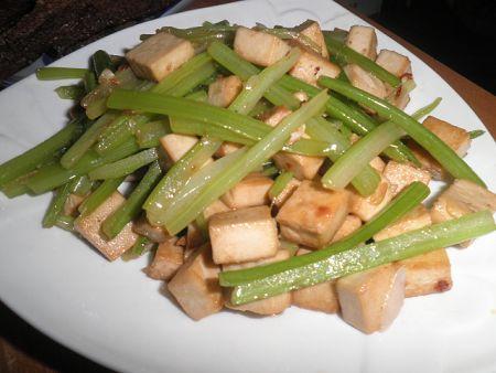 芹菜炒豆腐干+我