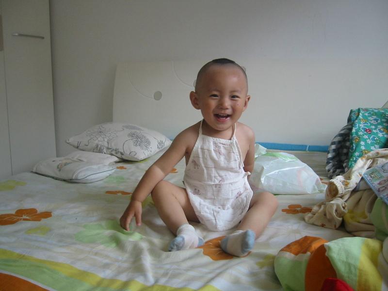 2015幼儿剃两边发型