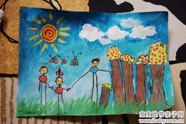 春天来了,丫丫和爸爸妈妈一起去郊游,森林的树非常茂密,小蝴蝶一家图片