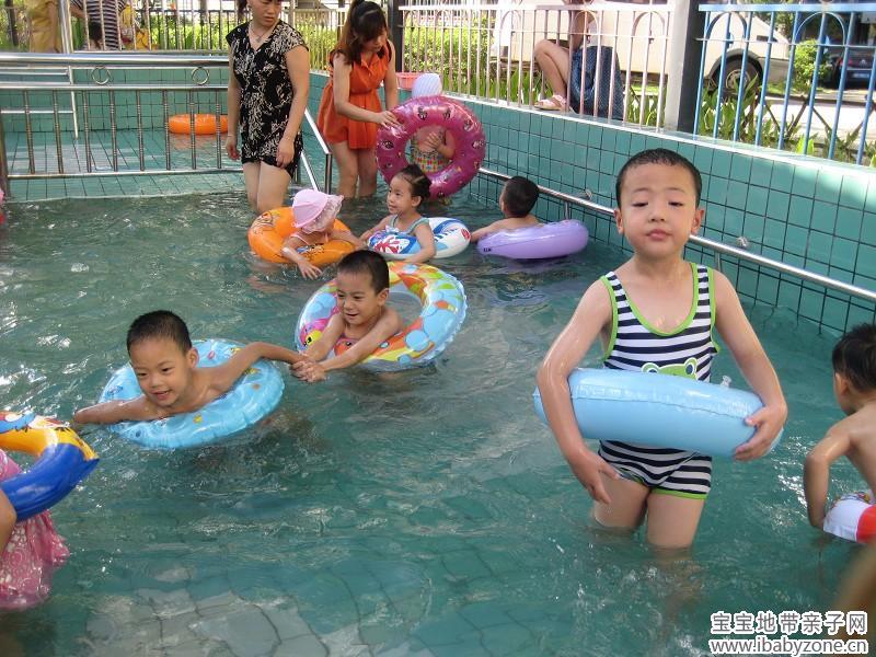 幼儿园游泳课 - 宝宝地带