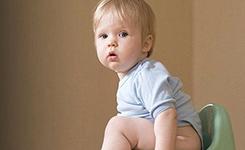 宝宝憋尿 当心泌尿道感染